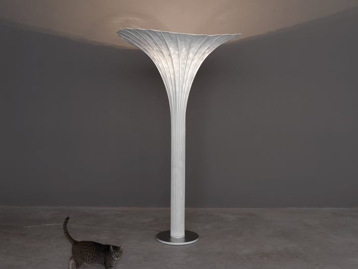 """Floor lamp looking like a blooming flower bulb.<span class=""""sr-only""""> (opened in a new window/tab)</span>"""