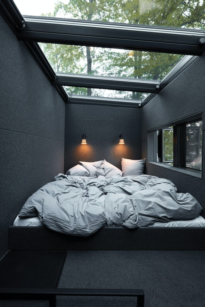 """View of the bedroom.<span class=""""sr-only""""> (opened in a new window/tab)</span>"""