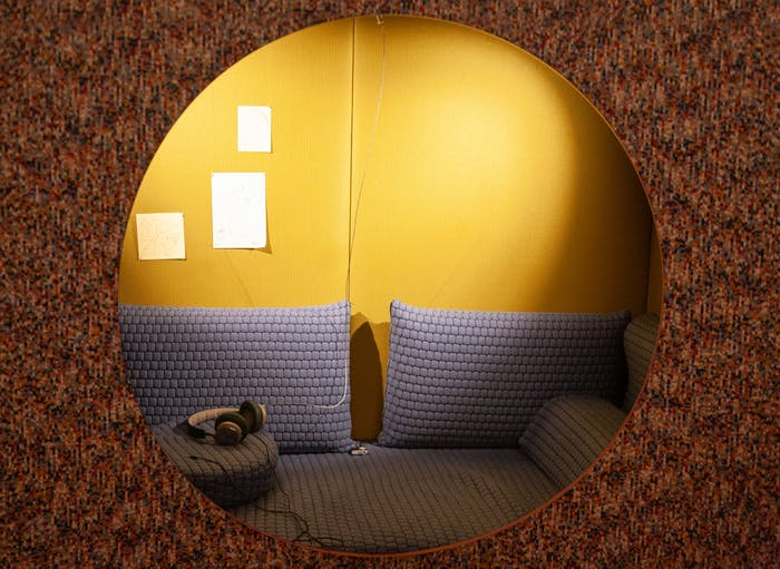 """Close-up of one of the alcoves for relaxation at the workplace.<span class=""""sr-only""""> (opened in a new window/tab)</span>"""
